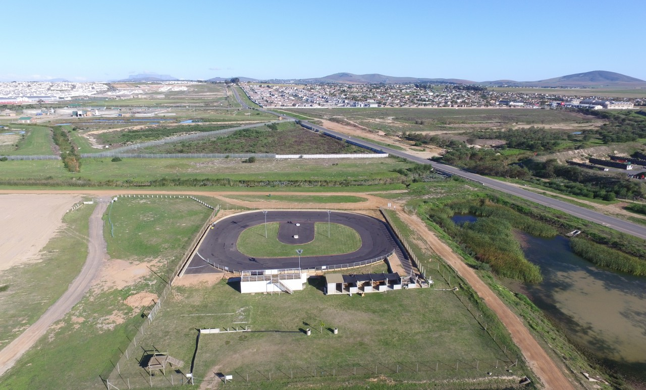 Kraaifontein rc racers home for House of tracks